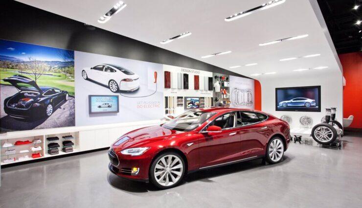 """Tesla wird die eigenen Stores """"radikal umgestalten"""", sagt Verkaufsleiter"""