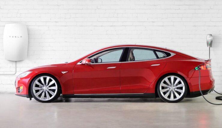 Tesla will Solardach, Powerwall 2.0 und neue Ladestation am 28. Oktober enthüllen