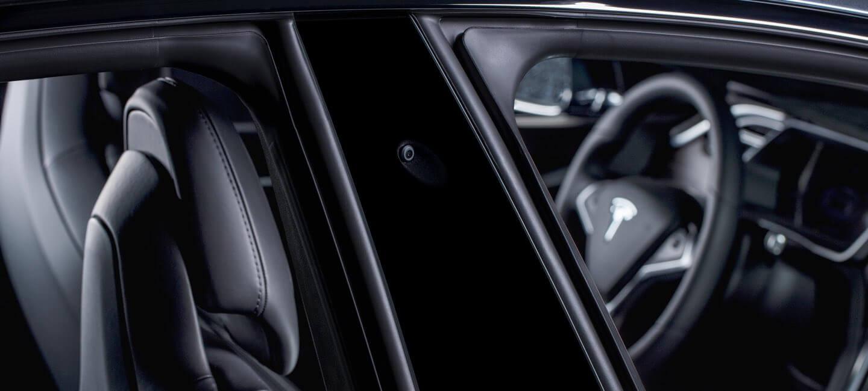 tesla-side-pillar-autopilot-2-0