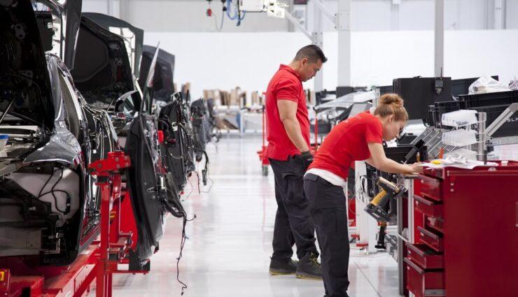 Nach Übernahme von SolarCity und Co.: Tesla beschäftigt mittlerweile über 30.000 Mitarbeiter