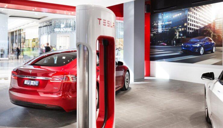 Supercharger: Neukunden nach dem 1. Januar 2017 können nur noch 400 kWh pro Jahr kostenfrei laden