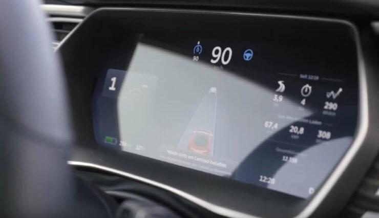 Autopilot Geschwindigkeit-Restriktionen können auch von der Umgebung abhängen