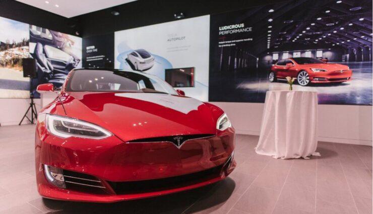 NRW-Umweltminister kauft Tesla Model S, da es keine Alternative aus Deutschland gibt