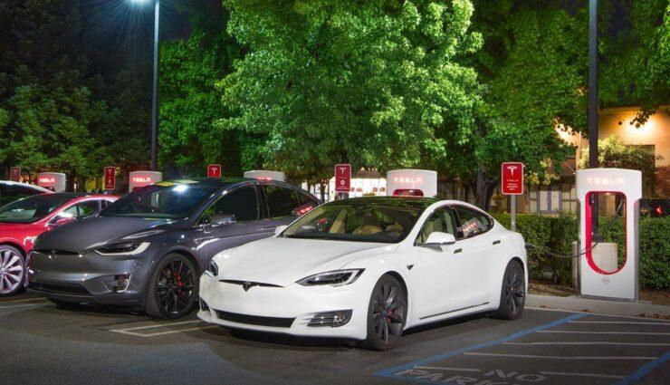 Tesla führt 0,35€/Minute Strafgebühr ein, wenn man Supercharger nach Ladevorgang blockiert