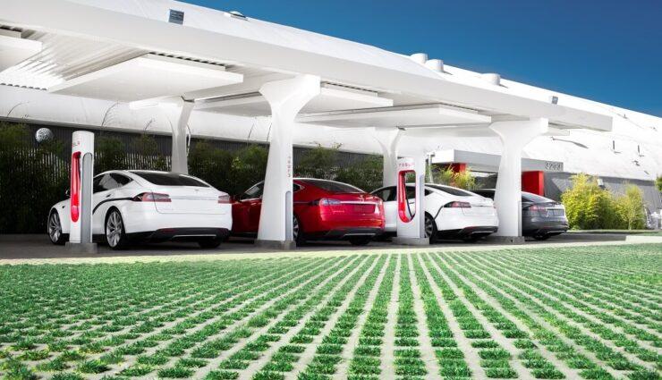 Supercharger: Strafgebühr für das Parken nur dann, wenn die meisten Ladestationen besetzt sind