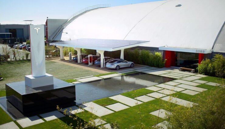Elon Musk spricht von neuen Superchargern V3 mit einer Leistung von weit über 350 kW
