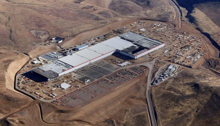 Tesla startet Massenproduktion von Batteriezellen in der Gigafactory