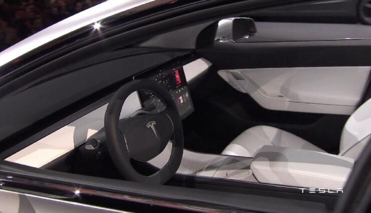 Tesla Model 3 wird kein Instrumentendisplay haben, bestätigt Musk