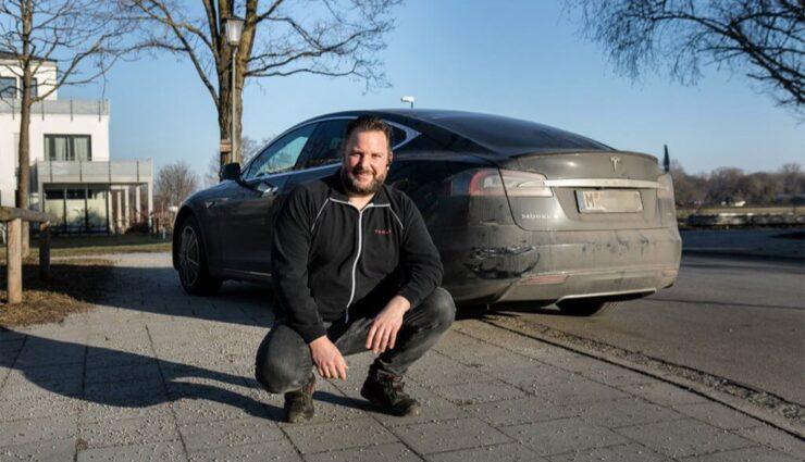 Nach Rettungsaktion auf der A9 bei München: Tesla will Reparaturkosten übernehmen
