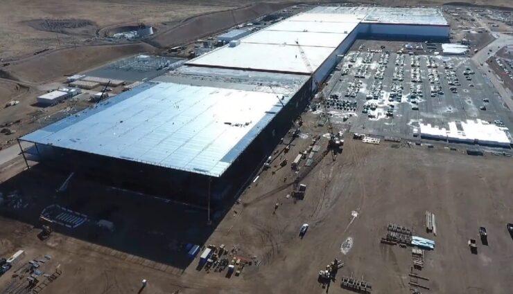 Gigafactory 1: Deutsche Unternehmensgruppe Heitkamp & Thumann produziert die Batteriehülsen