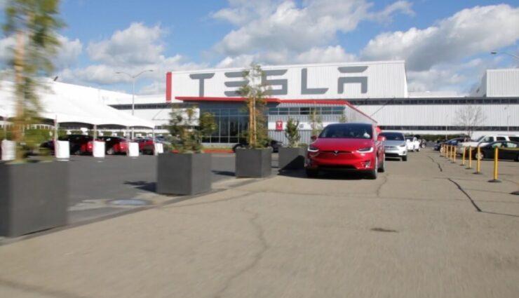 Tesla nimmt 1,2 Milliarden US-Dollar durch Ausgabe neuer Aktien und Wandelanleihen ein
