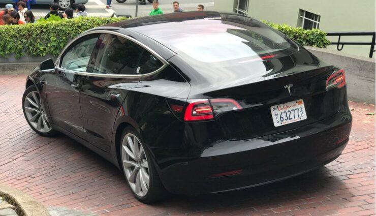 Mehrere neue Fotos und Videos unterschiedlicher Model 3 veröffentlicht