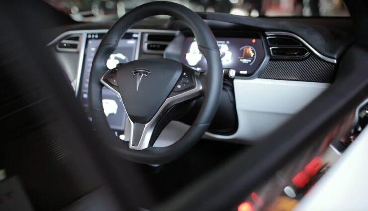 Model X: Proaktives Sicherheitsupdate für Rechtslenker angekündigt