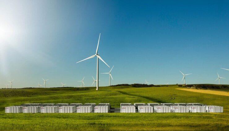 Tesla erhält Zuschlag für 100 MWh Batteriespeicher-Großprojekt in Südaustralien