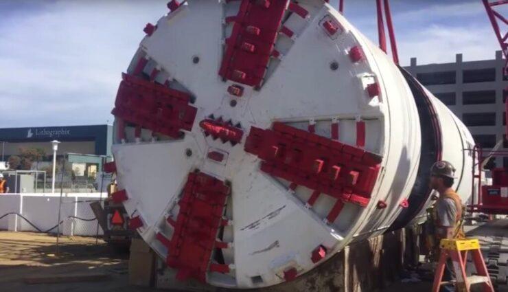 Empfehlungsprogramm: Gewinnt eine Fahrt in einer elektrische Tunnelbohrmaschine im 2. Geheimlevel