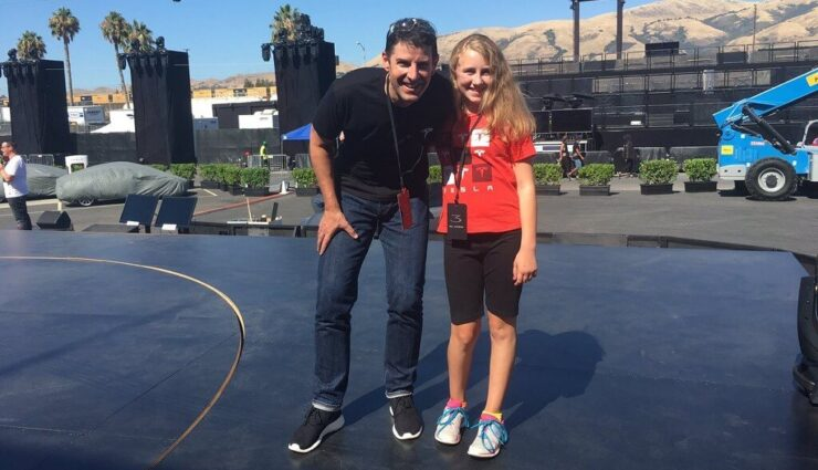 Tesla bietet Verkaufs- und Serviceleiter Jon McNeill 700.000 US-Dollar Bonuszahlung an