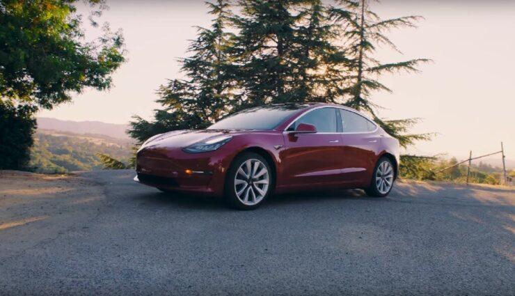 Elon Musk korrigiert: Reservierungsanzahl für das Model 3 liegt bei 455.000