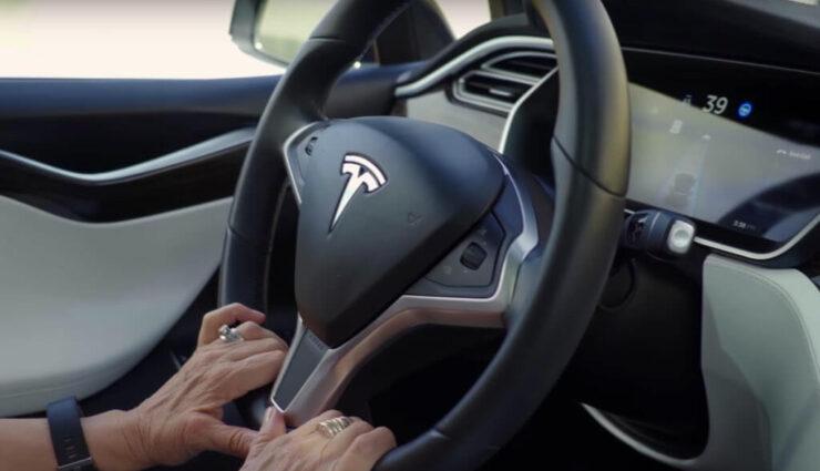 Tesla arbeitet mit AMD offenbar an eigenem Computerchip für das autonome Fahren