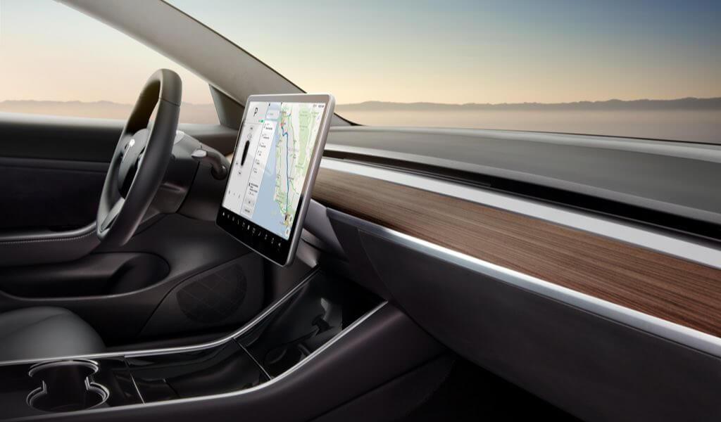 Deutsche Sprachsteueung für Tesla jetzt viel umfangreicher > teslamag.de