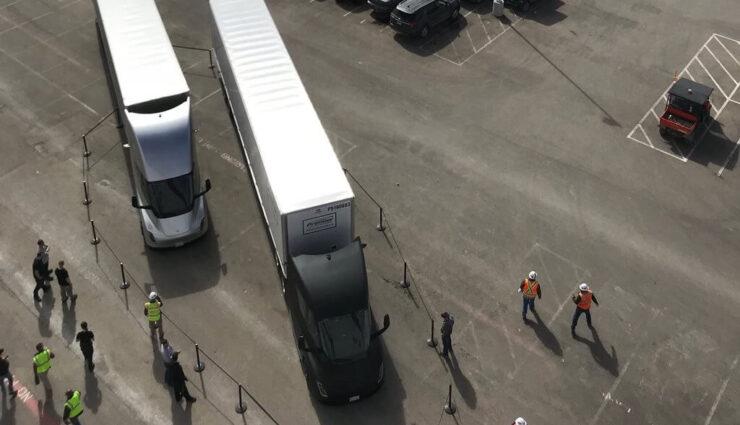 Tesla Semi erstmals im Einsatz, transportiert Akkupakete von Gigafactory 1 nach Fremont