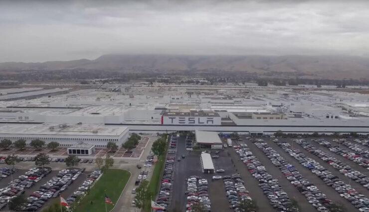 Tesla bietet Banken Fremont Produktionsstätte als Sicherheit für Kreditfazilität an