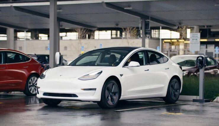 Model 3: Unstimmigkeiten in der Bremsleistung sollen mittels Software-Update behoben werden