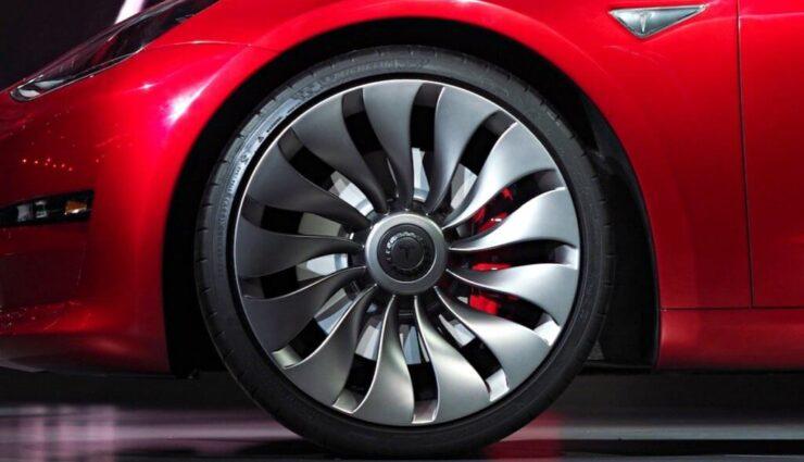Model 3: Mögliche Leistungssteigerung bei Performance-Version, neue Felgen Ende des Jahres