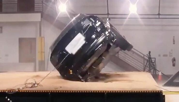 Video: Model X-Überschlagstest veranschaulicht die Überlegenheit des SUV