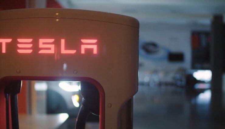 Tesla verklagt Ex-Mitarbeiter wegen Hacking und Diebstahl, dieser behauptet, er sei ein Whistleblower