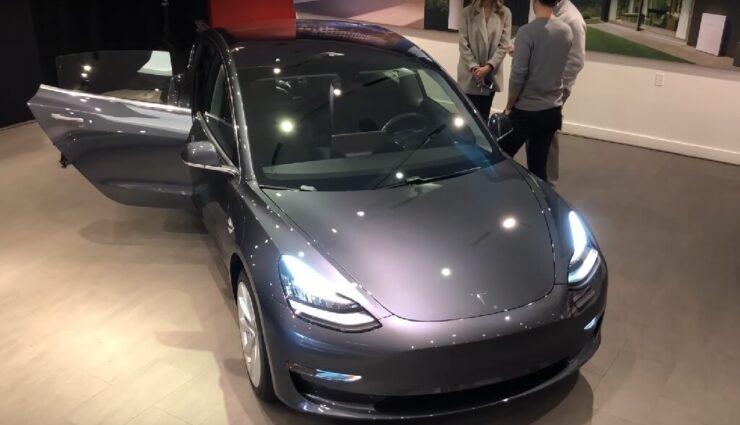 Model 3 mittlerweile in über 50 Tesla Stores ausgestellt