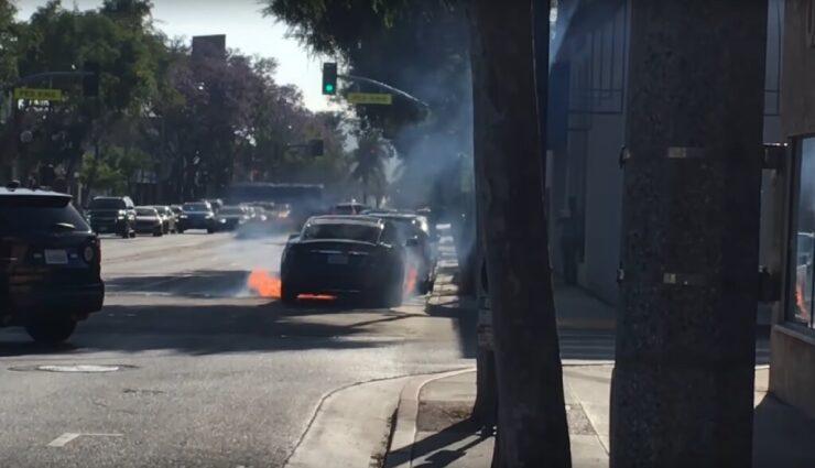 "Los Angeles: Tesla Model S soll ""aus heiterem Himmel"" Feuer gefangen haben"