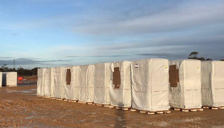 Tesla liefert erste Powerpacks für weiteres Energiespeicher-Projekt in Australien aus