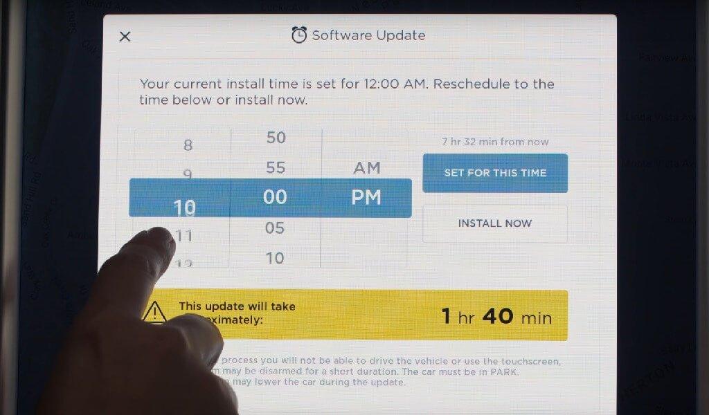 Zwingt Tesla Kunden zu Installation neuerer Software? > teslamag.de
