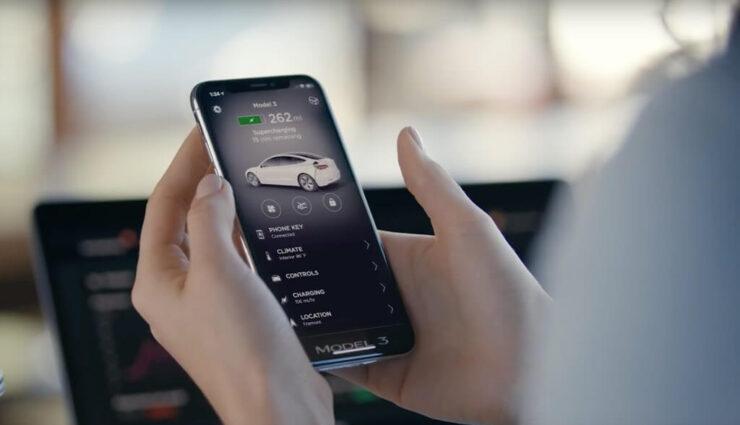 Software-Update V8.2 soll Fondpassagieren mittels Tesla-App mehr Kontrolle geben