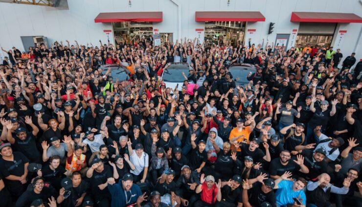Tesla lieferte 40.740 Fahrzeuge im 2. Quartal 2018 aus, davon 18.440 Model 3