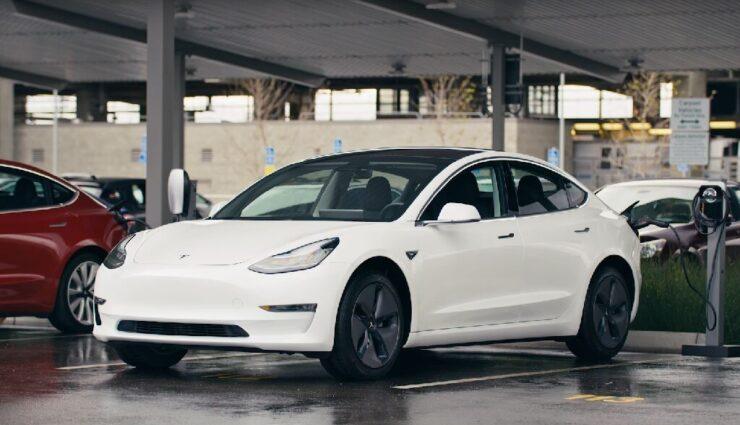 Tesla bringt das Model 3 zum ersten Mal offiziell nach Europa auf dem Goodwood Festival of Speed