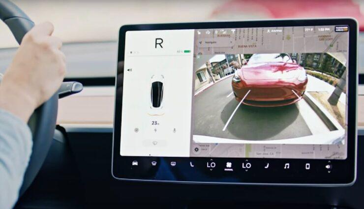 Möglichkeit zur Nutzung von Streaming-Diensten kommt mit Firmware-Version 10, sagt Musk