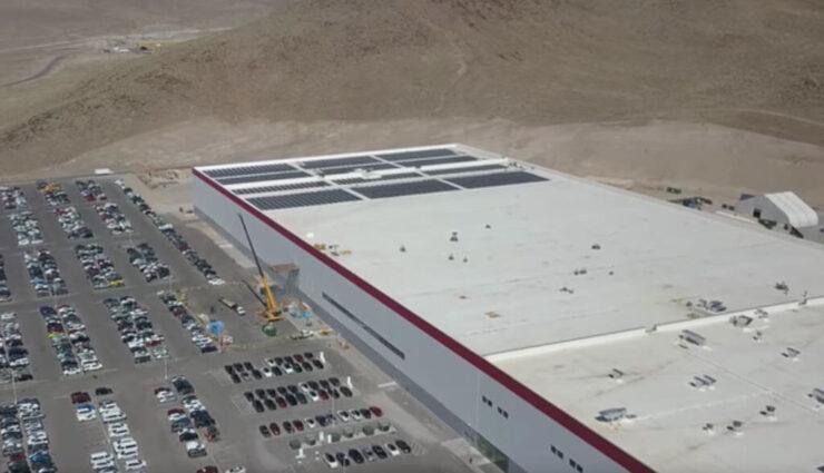 Neues Drohnen-Video der Tesla Gigafactory zeigt Solar-Installation