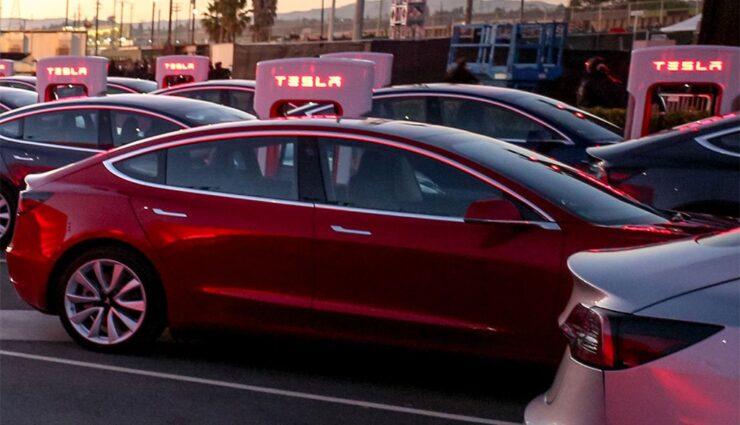 Tesla-baut-eigene-Autotransporter