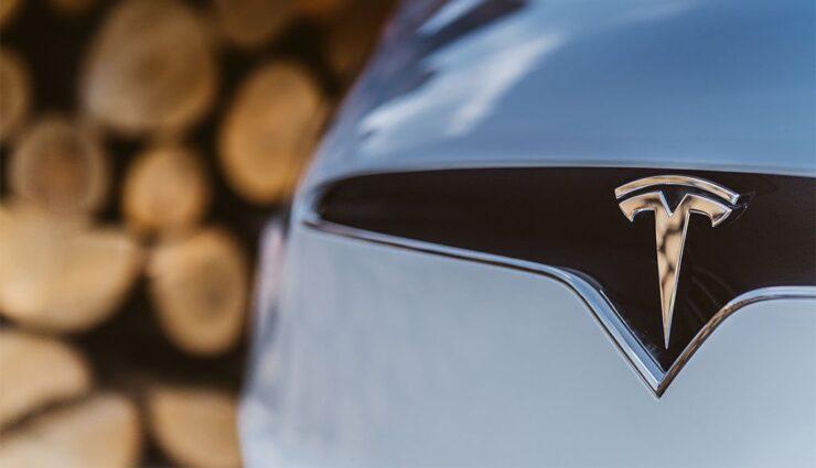 Großaktionär ist bereit, mehr Geld in Tesla zu investieren