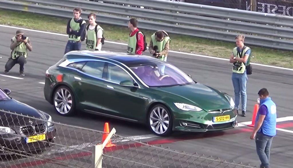 Tesla-Kombi-Video