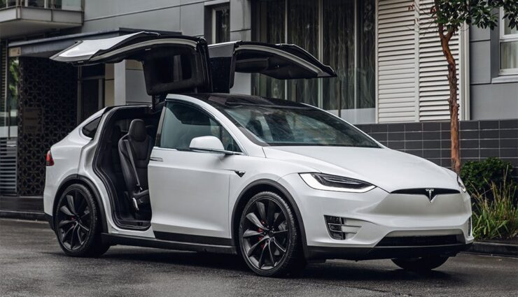 Tesla ist der meist-gegoogelte Autobauer in den USA