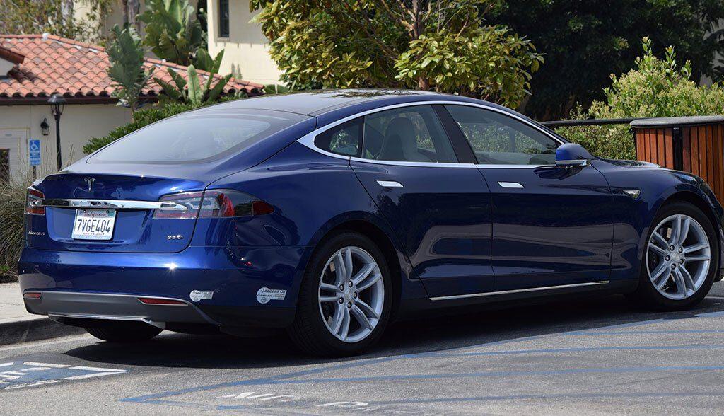 Tesla-Summon-Fernsteuerung