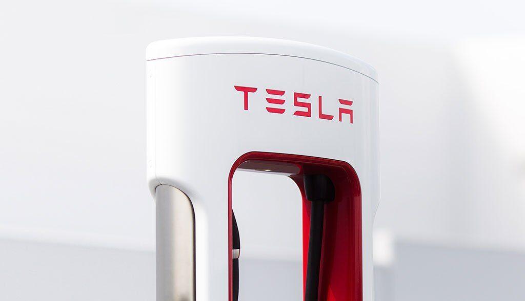 Tesla-CCS-Supercharger