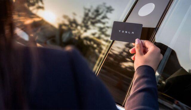 Tesla-Model-3-Chipkarte