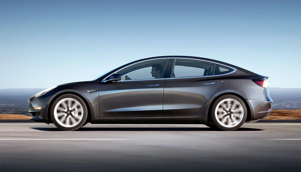 Tesla-Model-3-2019