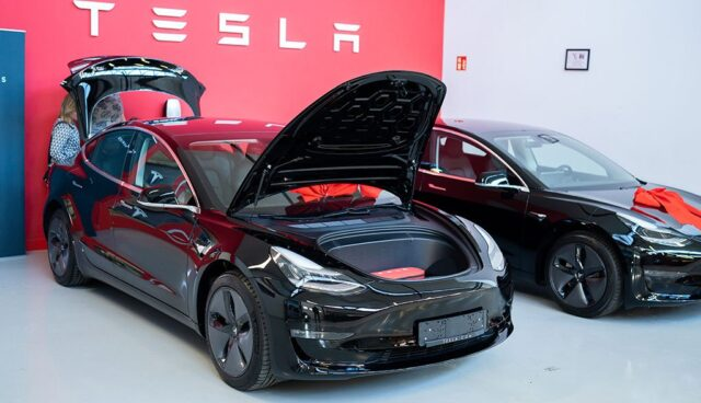 Tesla Model 3 Deutschland-9