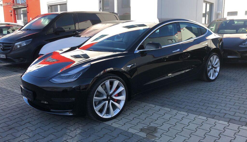 Tesla-Model-3-Leasing