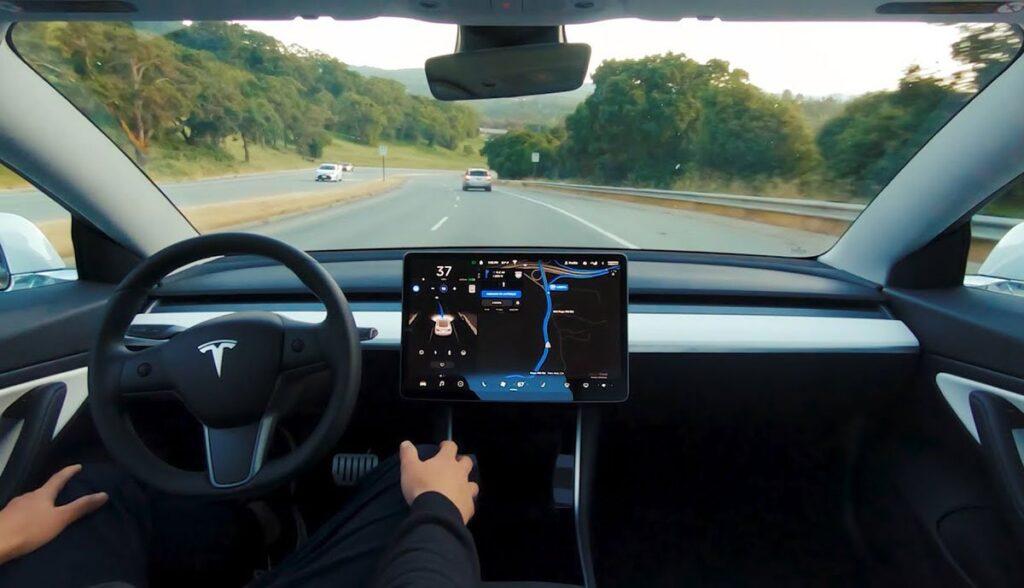 Tesla-Carsharing-Autopilot