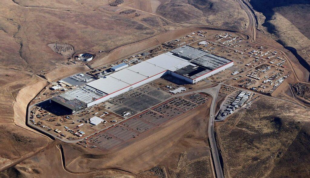 Tesla-und-Panasonic-Gigafactory